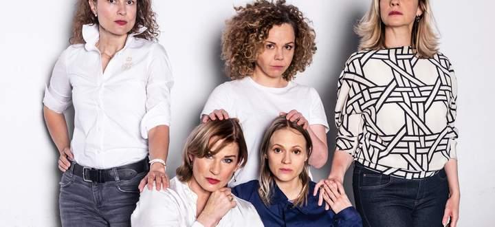 Damen am Domplatz: Stilp, Frick, Peters, Lyssewski und Hörbiger.