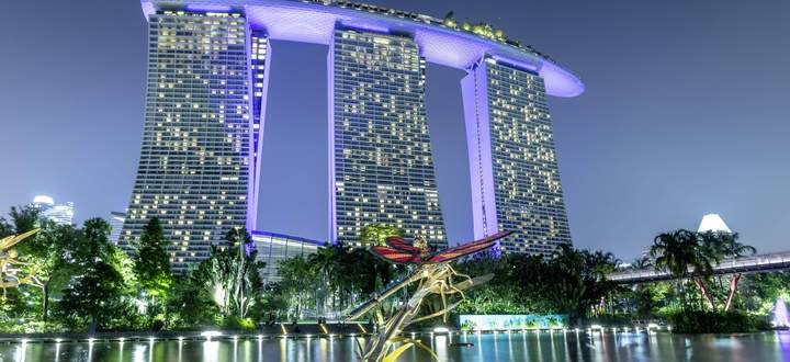Marina Bay Sands Hotel und Umgebung Marina Bay Sands Hotel *** Marina Bay Sands Hotel and Surround