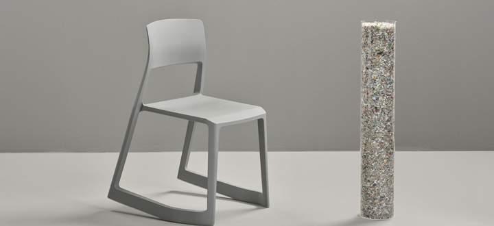 Greenwashing? Aus 7200 Bio-Joghurt-Bechern entsteht ein Stuhl mit 3,6 Kilogramm.