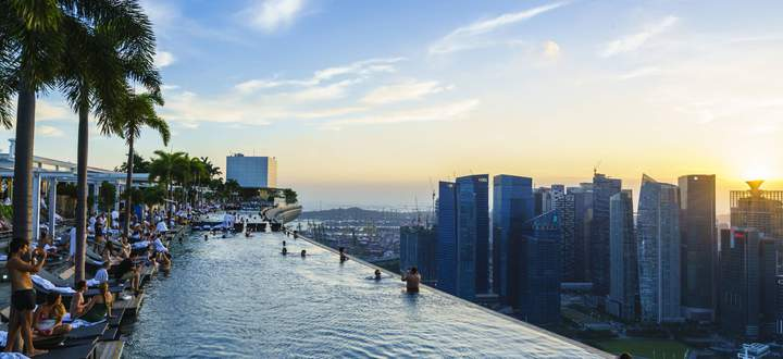 Infinity pool on the roof of the Marina Bay Sands Hotel with spectacular views over the Singapore sk