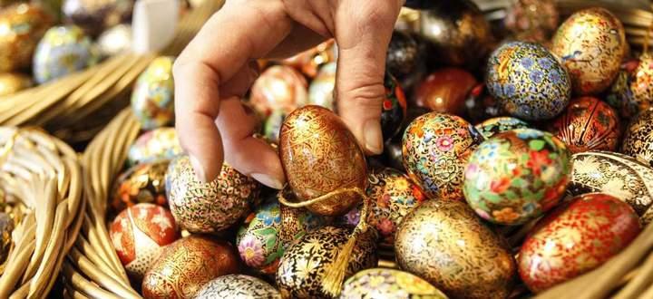 Ostern, der Höhepunkt des Kirchenjahres, um den sich viel Brauchtum rankt, vom Osterei bis zum Osterhasen.