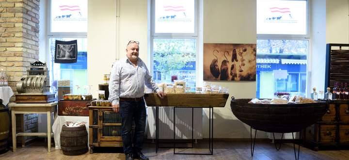 Franz Bruckner betreibt neben drei Lokalen (darunter das Schutzhaus Zukunft auf der Schmelz) auch eine kleine Nudelmanufaktur in Ottakring.