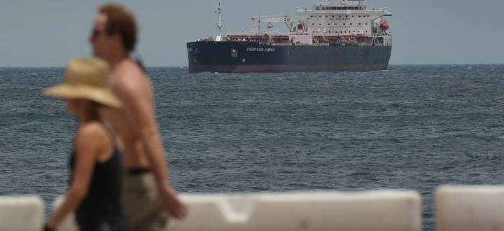 Der Platz, Öl zu lagern, wird eng. Selbst die Tanker sind allmählich voll.