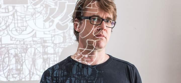 Sprache und künstliche Intelligenz. Wie passt das zusammen, fragt Jörg Piringer.