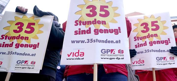 KUNDGEBUNG GEWERKSCHAFT DER PRIVATANGESTELLTEN, DRUCK, JOURNALISMUS, PAPIER (GPA-DJP), GEWERKSCHAFT VIDA 'FORDERUNG NACH 35-STUNDEN-WOCHE IN DER SOZIALWIRTSCHAFT
