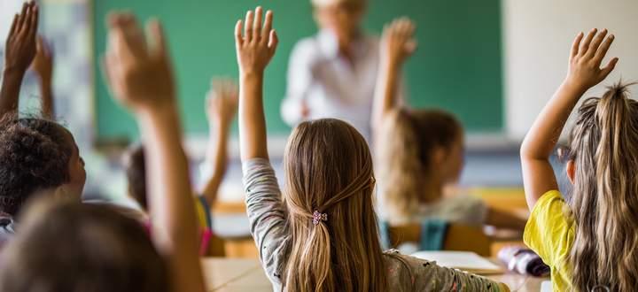 Aus für das Kopftuch: Das geplante Verbot bis 14 betrifft Wien – mit relativ vielen muslimischen Schülern – besonders.
