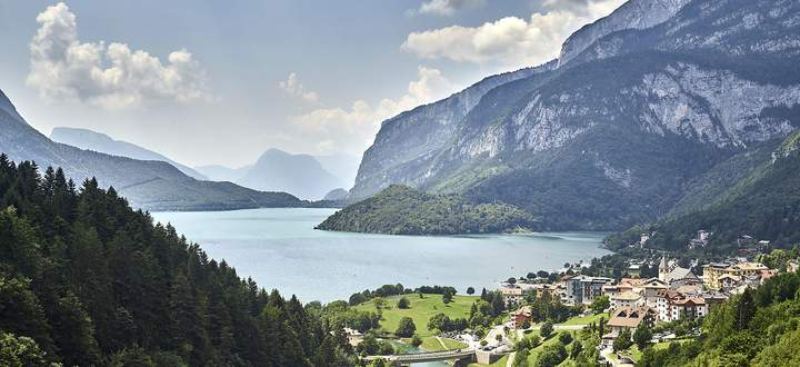 Italiens angeblich schönster See: der Lago di Molveno im Trentino.