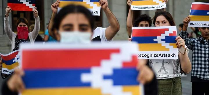 Demonstration in Jerewan. Armenische Aktivisten fordern die internationale Anerkennung des von Armenien unterstützten, de facto eigenständigen Gebietes in Berg-Karabach.