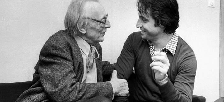 Riccardo Muti (r.) mit dem Komponisten Carl Orff, 1977.