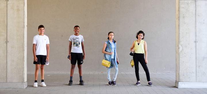 Von links: Damir, Jérôme, Mayar und Malak sind froh, endlich wieder Ausflüge mit ihrer Jugendgruppe unternehmen zu können.
