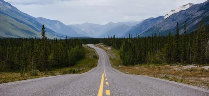 Einsamkeit. In den Weiten Kanadas verlaufen sich die Wanderer und Fischer.