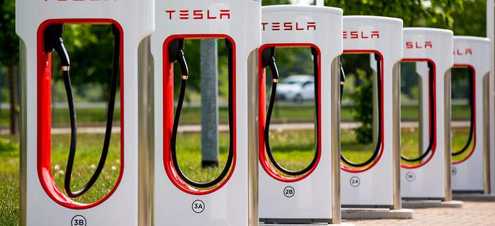 Freie Plaetze an E-Tankstellen