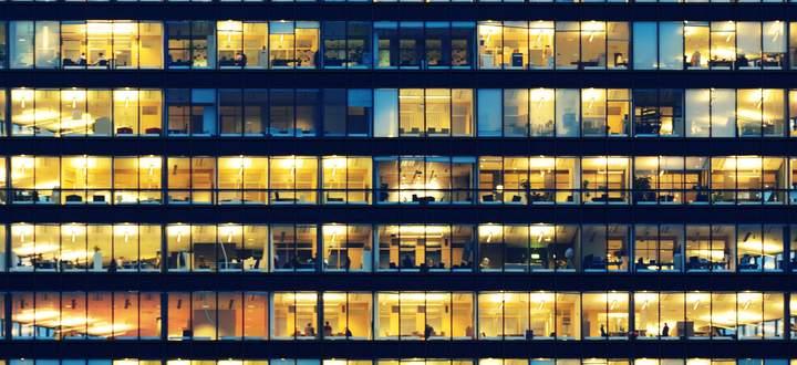 Unternehmen sind für Mitarbeiter unter anderem dann attraktiv, wenn sie leicht erreichbar sind. Deshalb sind Lagen in der Innenstadt so begehrt – und schwer zu bekommen.