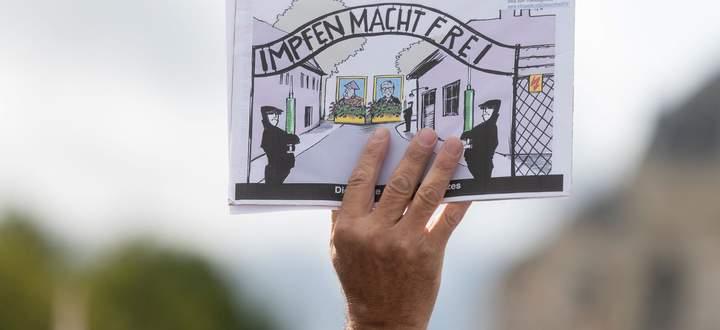 Geschichte wird um interpretiert, um eine augenblickliche Stimmung zu stärken. Ein Bild aus Wien.