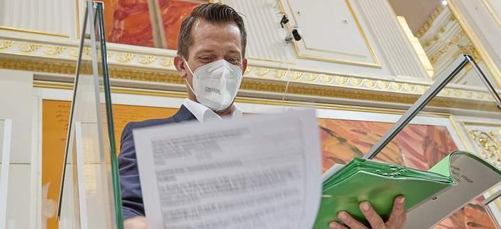 Gesundheits- und Sozialminister Wolfgang Mückstein will nach der Pandemie die Pflegereform angehen.