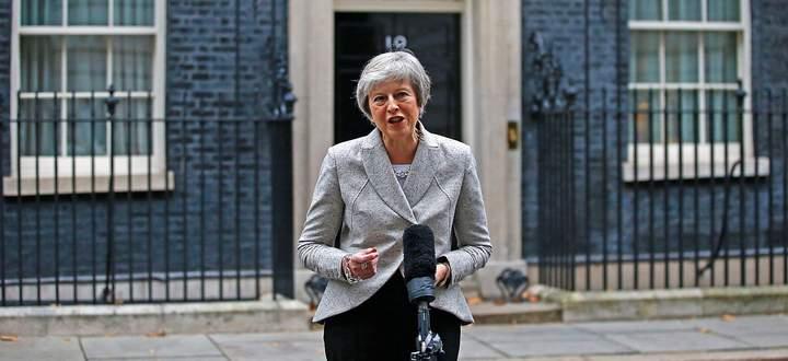 Theresa May vor der Downing Street 10.