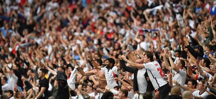 Fußball in Wembley garantiert immer Euphorie, auch bei der EM. Für 90 Minuten sind dann alle Sorgen des Alltags vergessen.