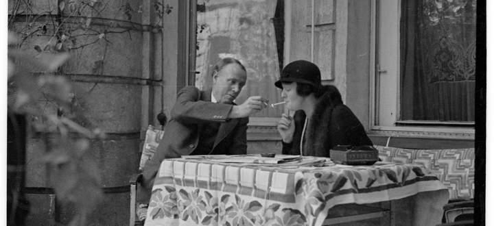 Sinclair Lewis mit seiner Ehefrau Dorothy Thompson in Wien.