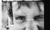 Schlingensief, immer Filmemacher, arbeitete auch in Theater und Kunst mit Montage, Überschneidung.