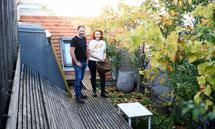 Gerhard Fischer und Nicole Fischer-Oberrauner im Dachgarten in Wien Neubau.