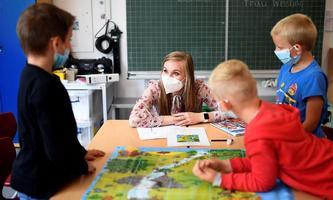 Mask im Unterricht, Distance Learning und Schichtbetrieb sollen, wenn es nach dem Bildungsminister geht, der Vergangenheit angehören.