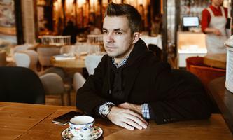 """Auch ein """"ehemaliger Sohn"""" seines Landes: Autor Sasha Filipenko ging selbst vor Jahren aus Belarus weg."""