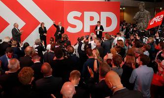 Olaf Scholz und die SPD feiern ein gutes Wahlergebnis in Berlin.