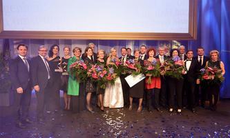 Siegerfoto mit allen Österreicherinnen und Österreichern des Jahres
