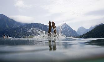 Die Österreicher urlauben gern im eigenen Land: Die Hälfte aller Urlaube verbringen sie in der Heimat. Heuer dürften es noch mehr werden.