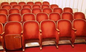 Theater planen ihr Comeback - mit einigen Planungsproblemen.