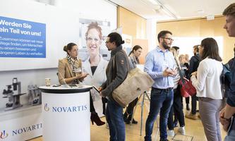 Veranstaltungen wie das MCI Recruiting Forum (Bild von 2019) stärken die Verbindung zu potenziellen Arbeitgebern und wirken sich so auch positiv auf die Beurteilung einschlägiger Rankings aus.