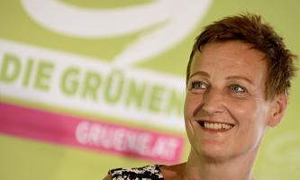 """""""Wir brauchen ein Basisnetz, falls lokal irgendwo Schulschließungen notwendig sind"""", sagt Sibylle Hamann."""