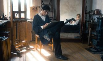 Noah Saavedra als Egon Schiele, Valerie Pachner als Wally.