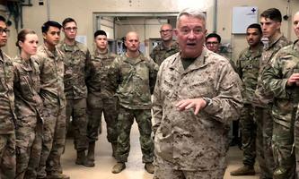 Archivbild aus dem September 2019: General Kenneth McKenzie im Gespräch mit US-Truppen auf der US-Basis Fenty in Jalalabad, Afghanistan.