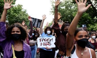 Der Anstoß kam aus den USA und hatte globale Auswirkungen: Demonstration gegen den Rassismus Anfang Juli in Berlin.