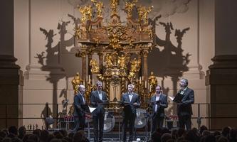 Sicher aufeinander eingestellt: die Sänger des Ensemble Cinquecento.