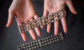 Die beiden Armbänder lassen sich zu einem Collier zusammensetzen.