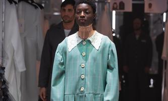 Designer Alessandro Michele setzt für Gucci auf Spitze.