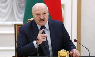 Alexander Lukaschenko, der Herrscher von Minsk, hat sein Land Moskau ausgeliefert.