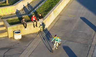 Das urbane Leben im Social Distancing, aufgenommen diese Woche bei der Neuen Donau in Wien.