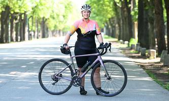 Bettina Wallner hat im ersten Lockdown mit dem Rennradfahren begonnen. Ihre Trainings gehen oft in der Prater Hauptallee los.