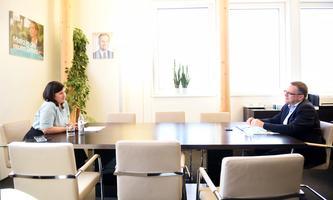 ÖVP-Klubobmann August Wöginger bevorzugt im Fall des abgebrannten Flüchtlingslagers Moria die Hilfe vor Ort.