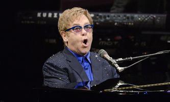 Elton John bei einem Auftritt 2013
