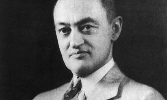 """""""Nur Unternehmen, die sich permanent infrage stellen, bleiben stabil"""" – eine der wichtigsten Thesen des Ökonomen Joseph Alois Schumpeter."""