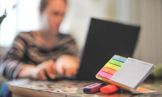 Sich ihm Home-Office Routinen zu schaffen, findet Arbeitspsychologin Veronika Jakl wichtig, damit der neue Arbeitsalltag gelingt.