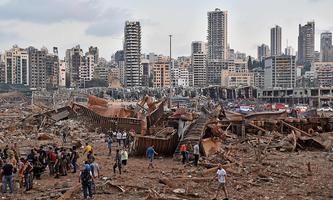 Ein Bild von Dienstagabend aus Beirut - nach der Explosion.