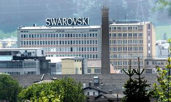 ++ ARCHIVBILD ++ TIROL: SWAROVSKI-WERK IN WATTENS