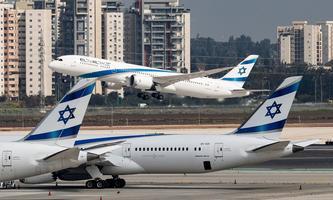 Eine El-Al-Maschine hebt vom Ben-Gurion-Flughafen in Tel Aviv nach Marrakesch ab. Israel nahm am Sonntag den Linienverkehr mit Marokko auf.