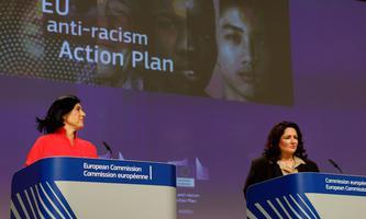 Věra Jourová (Vizepräsidentin für Werte) und Helena Dalli (Kommissarin für Gleichberechtigung) stellten einen Aktionsplan vor.