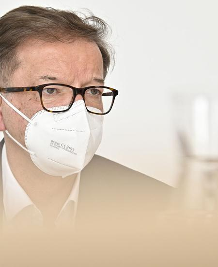 INTERVIEW: GESUNDHEITSMINISTER RUDOLF ANSCHOBER (GRUeNE)